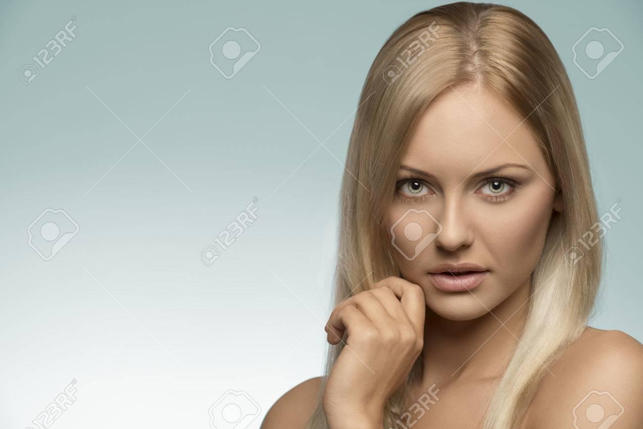 blonde-facial-natural