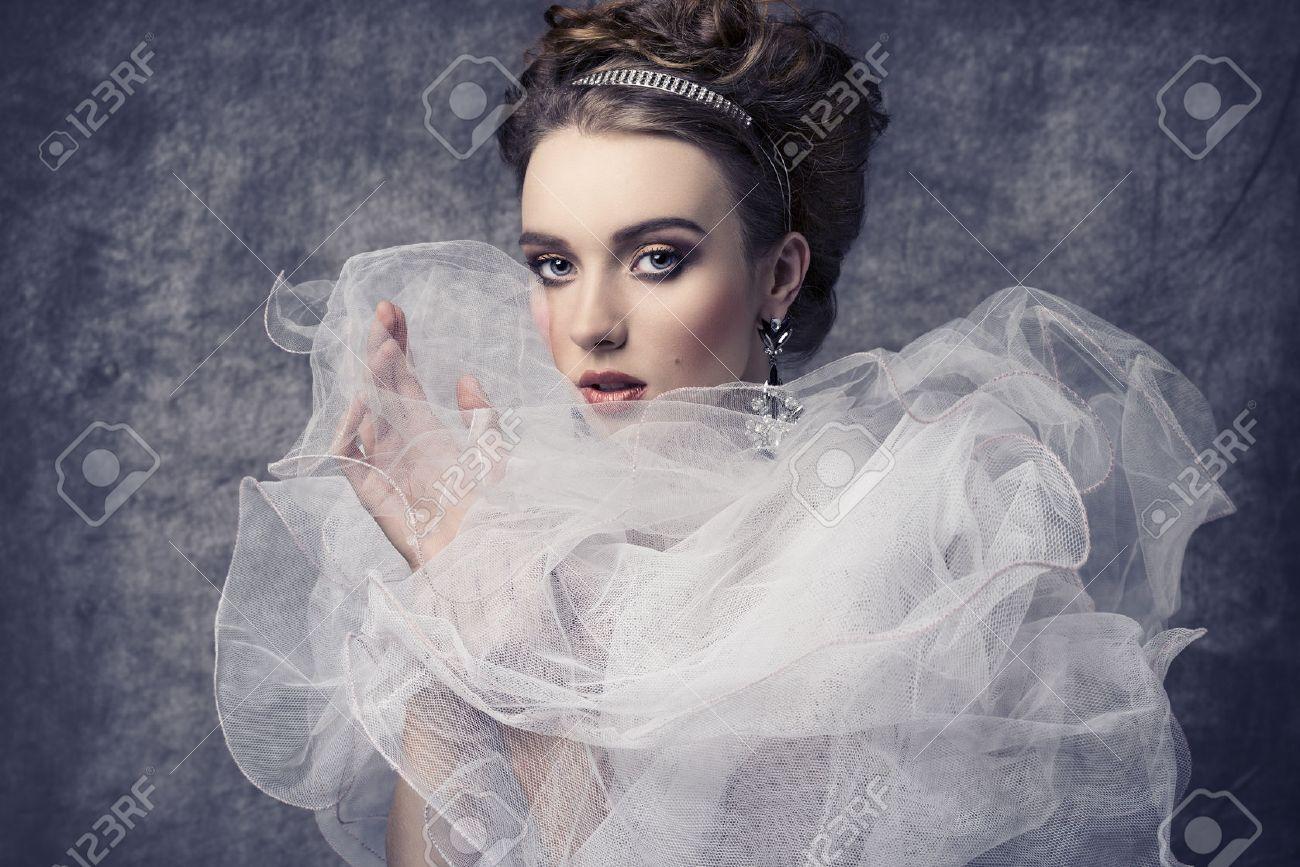 D'oreilles Jolie Style RomantiqueEn Jabot Et Mode Avec Shooting Baroque VoileBoucles Diadème Dame Rétro Col De Costume Femme Un tsQrdxhC