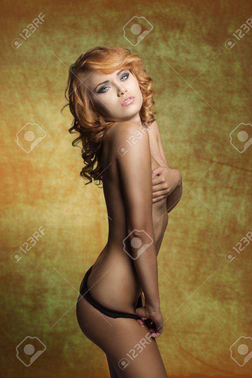 Brittany la nude women