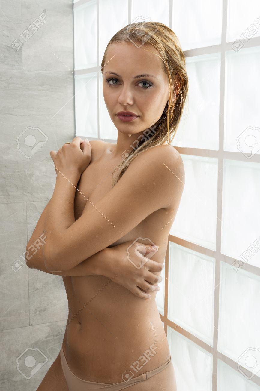 Schön und frauen nackt Nackte Frauen