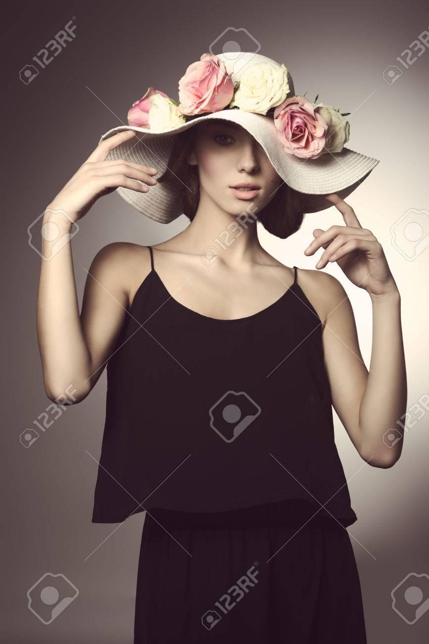 Vestido negro con flores de colores