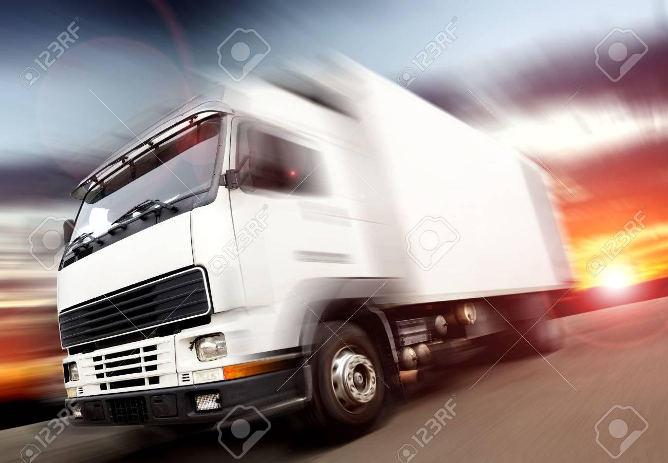 truck speed. Trucks delivering merchandise - 26870287