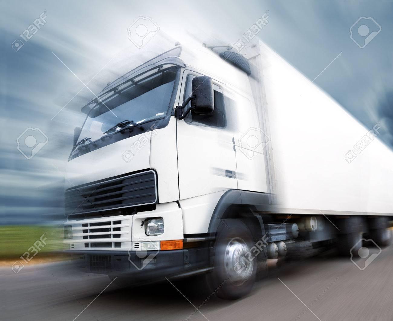 truck speed. Trucks delivering merchandise - 26870466