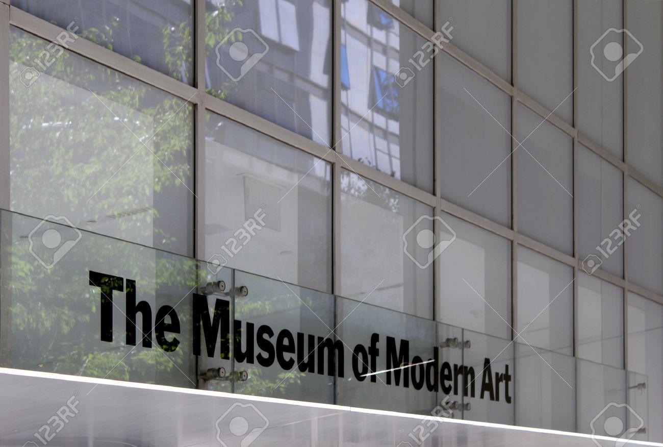 Museo Moma.Museo De Arte Moderno Moma Fachada Nueva York El Edificio Es De