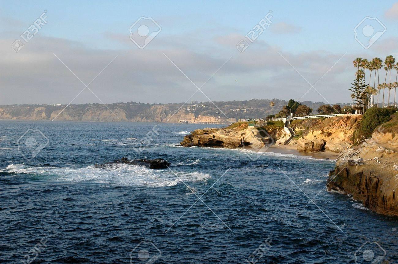 Cliffs on the California coastline in La Jolla San Diego - 1124977