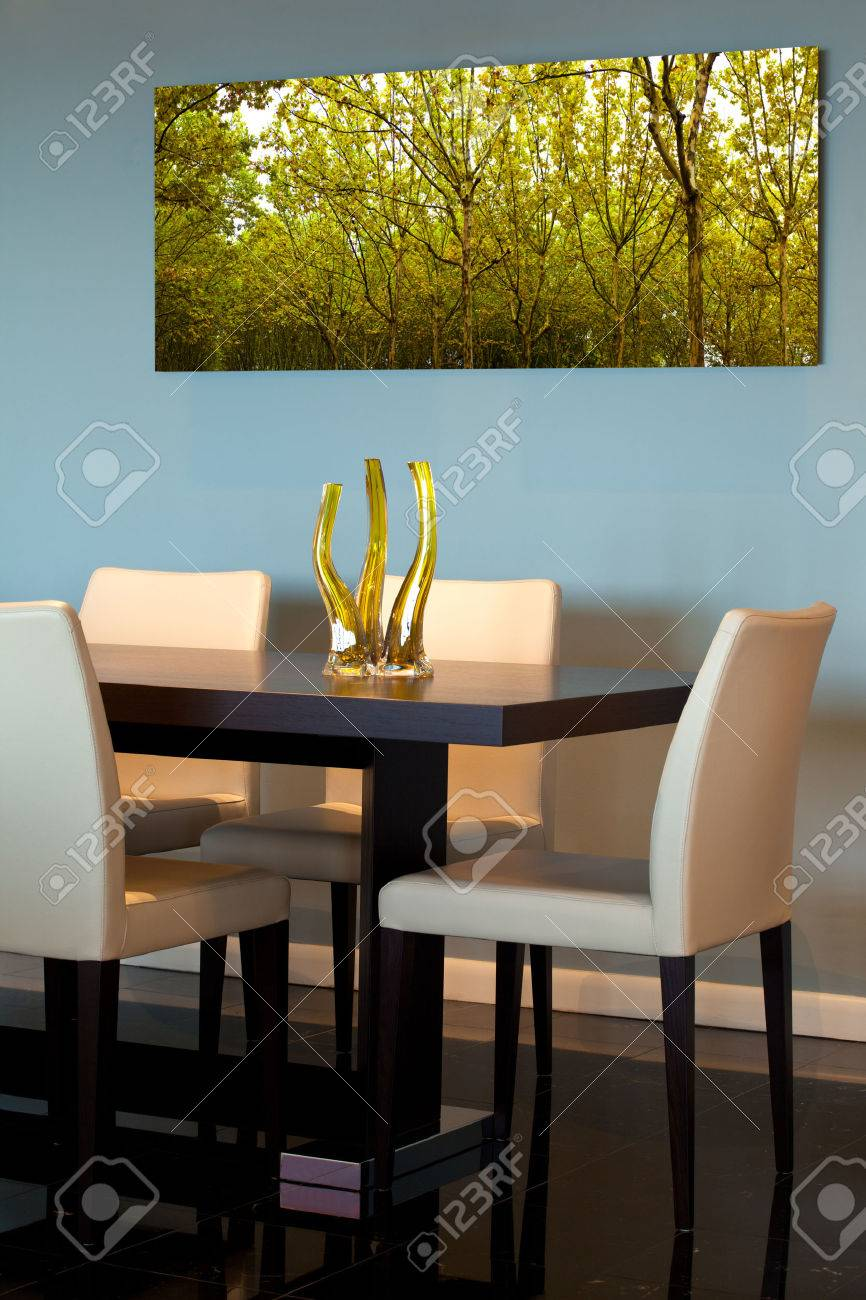 Contemporary dining room detail - 47840055