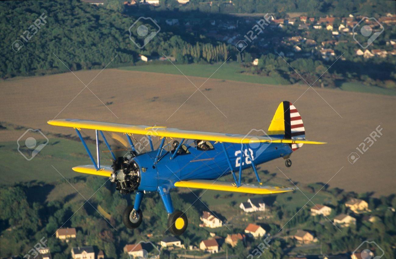Biplane Boeing PT-17 Kaydet / Stearman model A-75