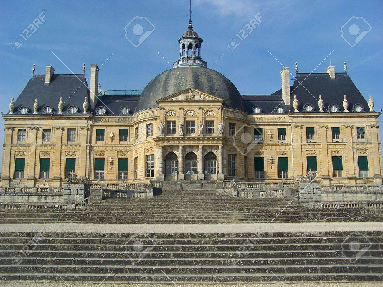 The Luxembourg palace (palais du Luxembourg), north of the Luxembourg garden (Jardin du Luxembourg), is the seat of French Senate government (S�nat Fran�ais) - Paris City Stock Photo - 5940387