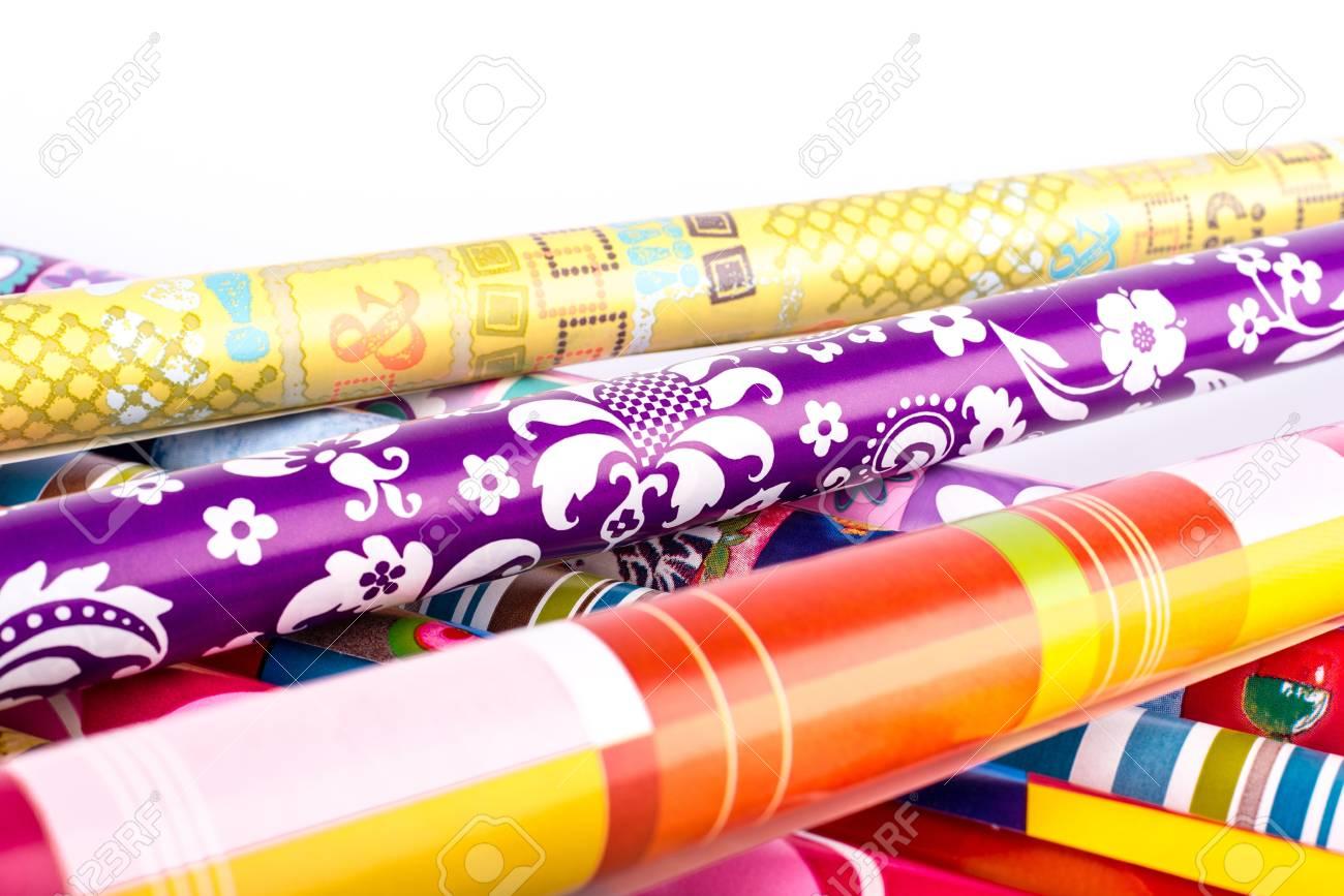 Rotoli Di Carta Colorata : Immagini stock rotoli di carta da imballaggio colorata image