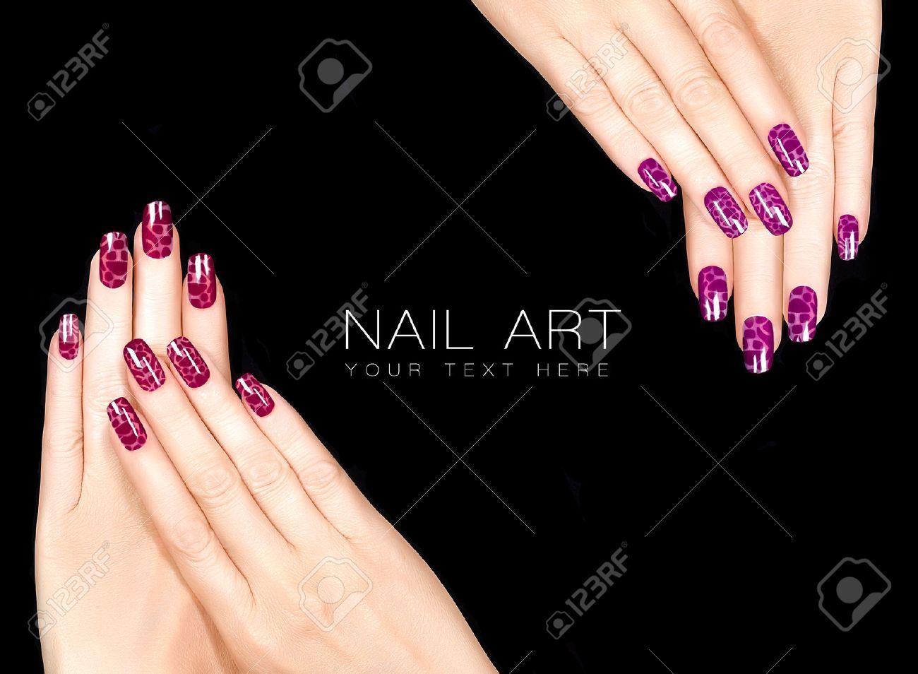 Kleurrijke Nail Art Trendy Craquel Nagellak In Rood Manicure En