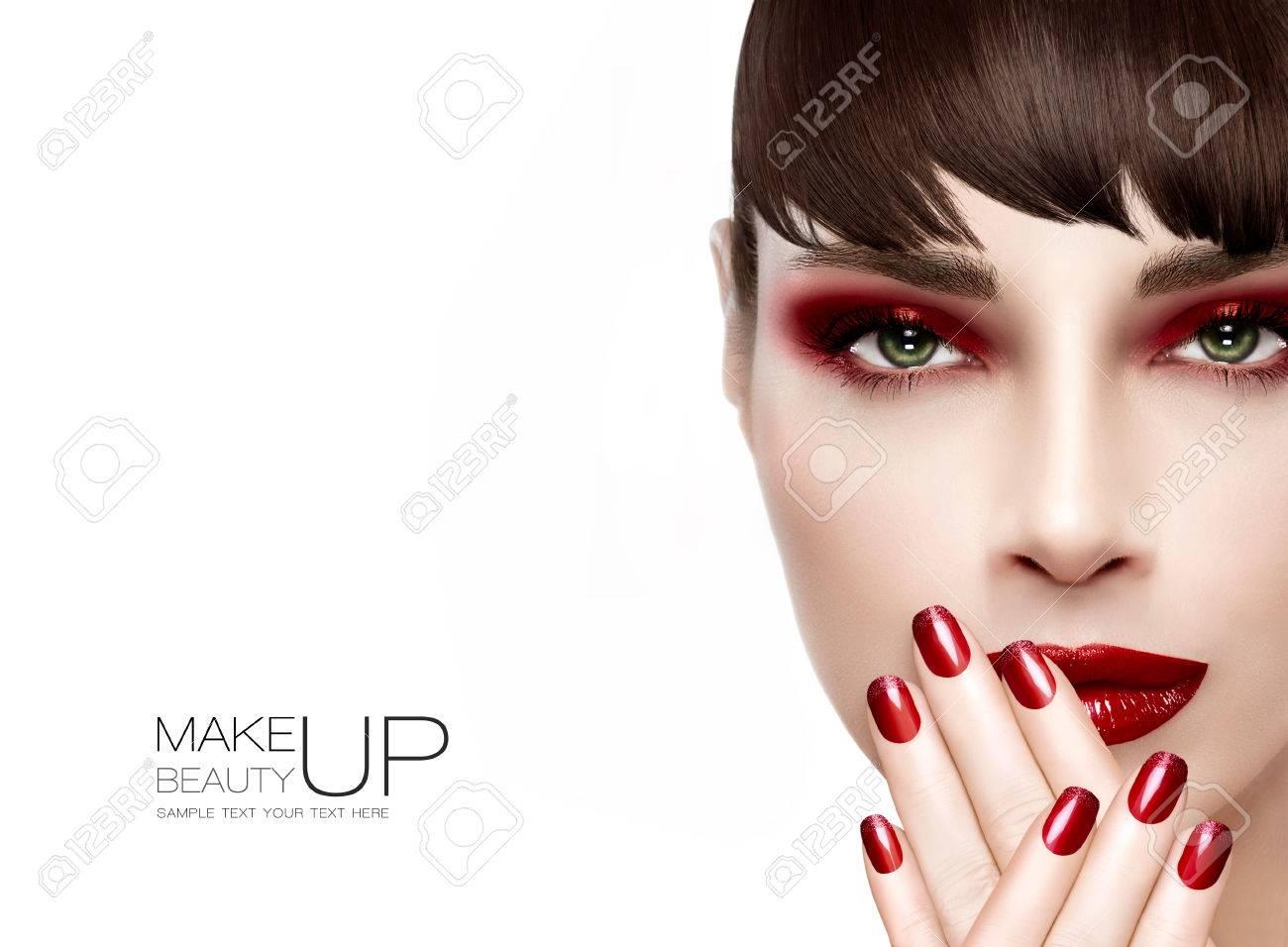 Schonheit Und Make Up Konzept Schone Mode Modell Frau Mit Langen