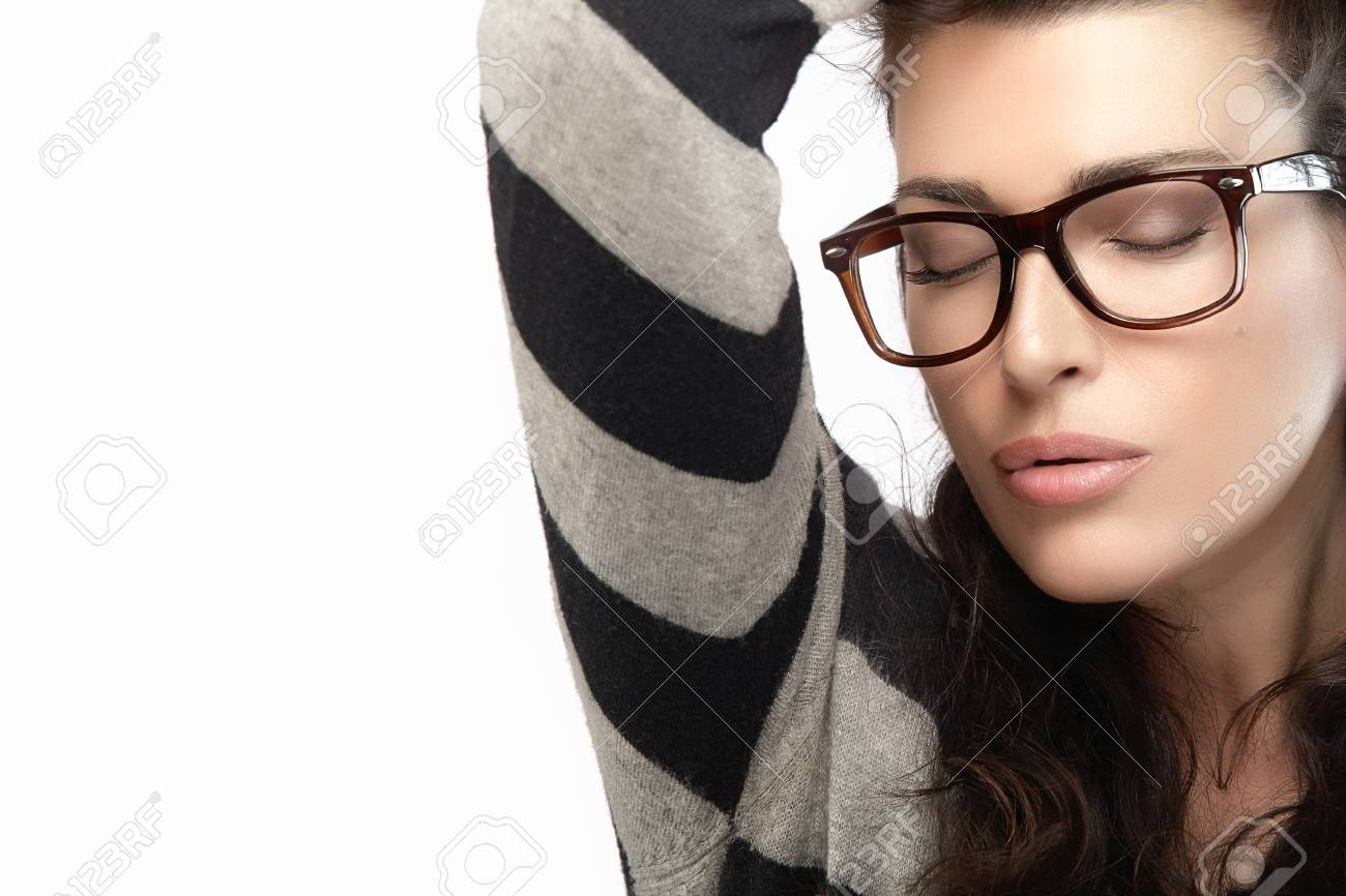 2a6af65436f Close up gorgeous brunette fashion model girl with casual style clothing  wearing trendy glasses