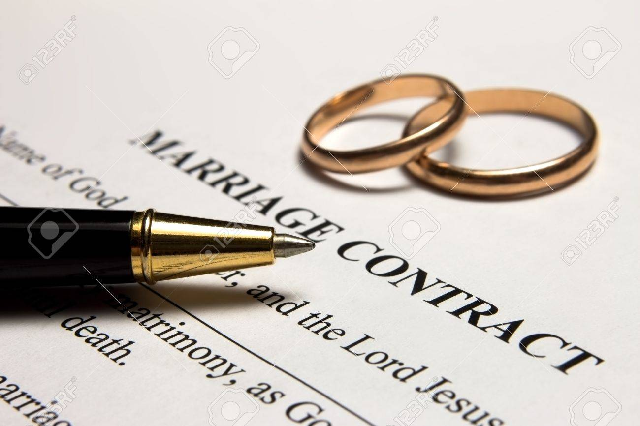 Pen And Gold Rings On The Marriage Contract Photo Picture – Marriage Contract