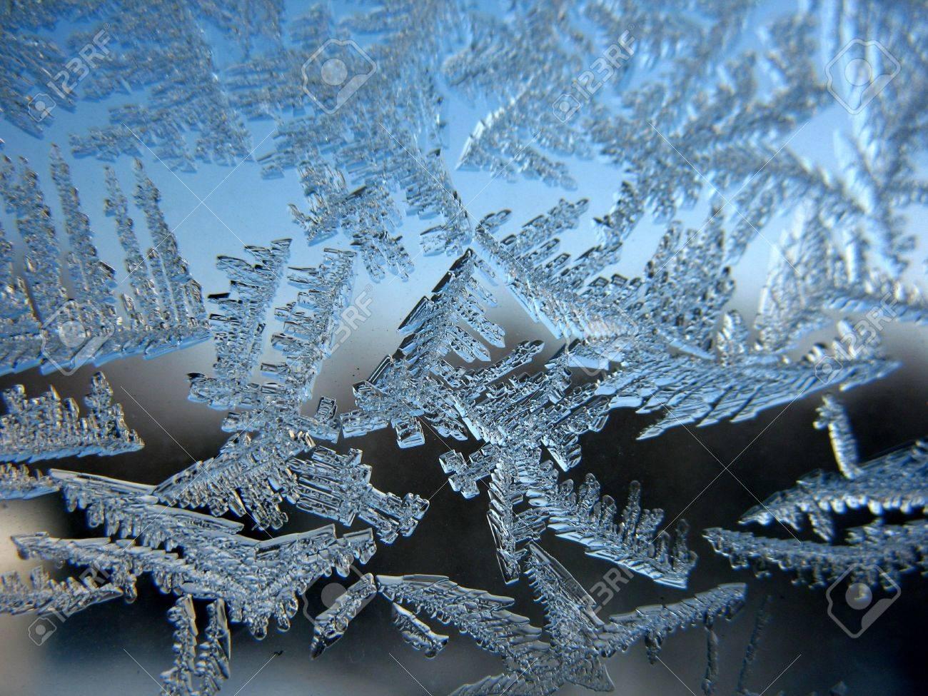 Snow pattern on winter window Stock Photo - 7000962