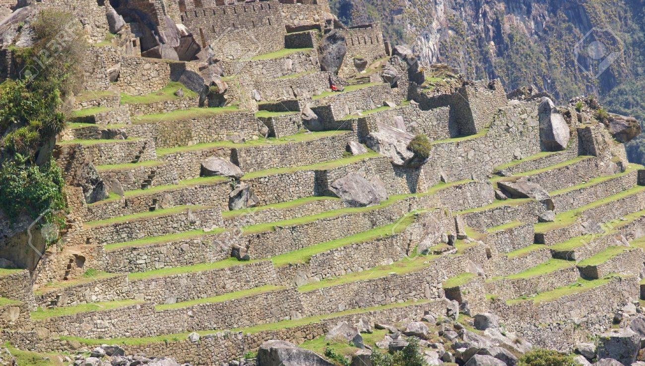 Panorama Cultivos En Terrazas Y Cabañas De Guardianes Las Ruinas Incas De Machu Picchu Perú América Del Sur