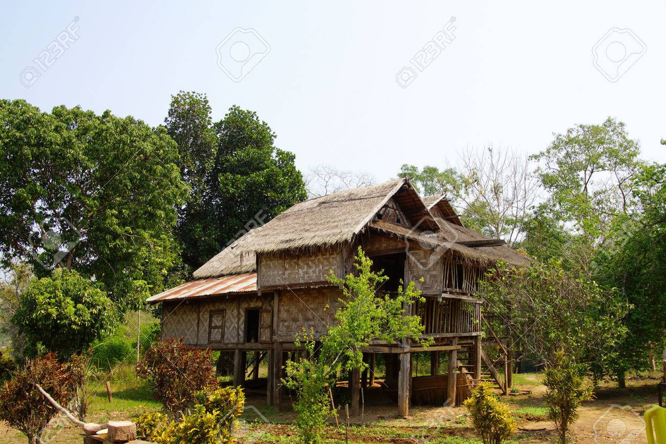 Attraktiv Haus Auf Stelzen Sammlung Von Standard-bild - Traditionelle Shan In Ländlichen Dorf