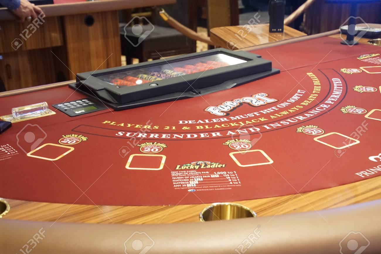 CARIBBEAN SEA - DEC 20, 2017 - Blackjack Table In The Casino.. Stock Photo,  Picture And Royalty Free Image. Image 92560443.