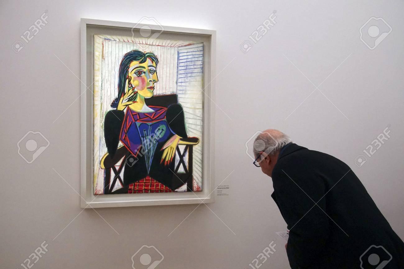 Museo Picasso Paris.Paris Dec 6 2018 Visitors Examine The Artworks In The Picasso
