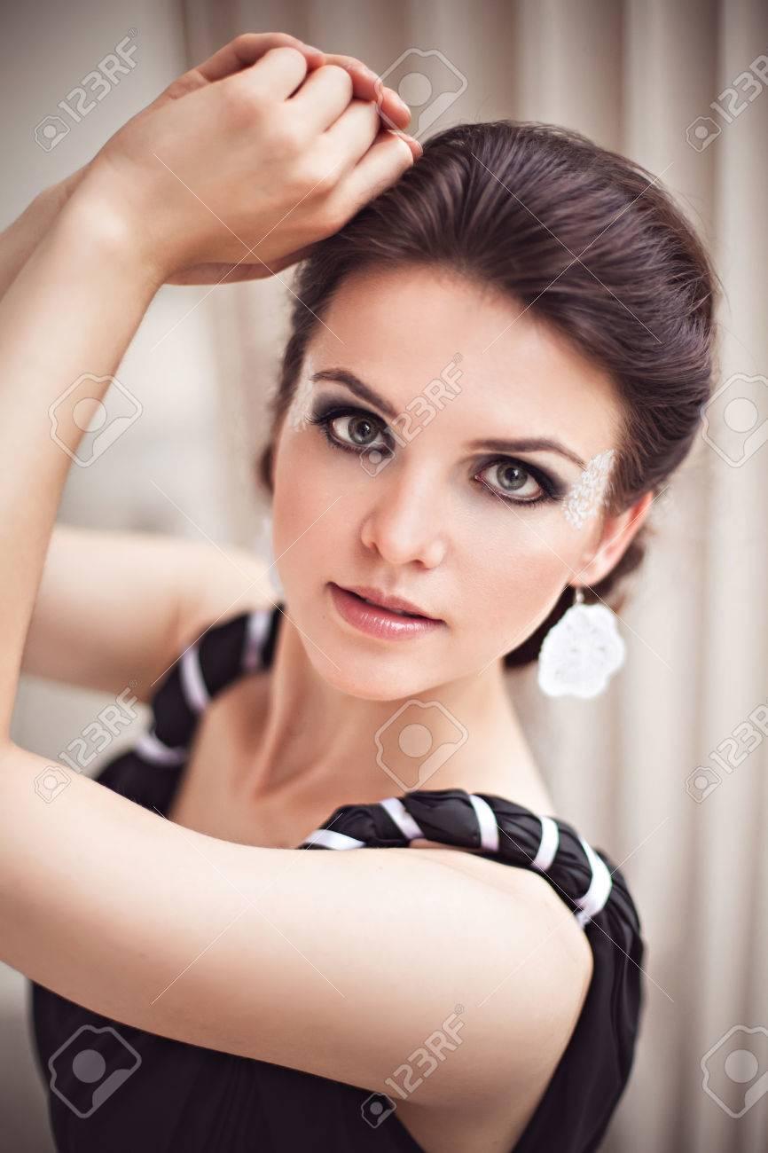 Maquillaje para vestido negro largo