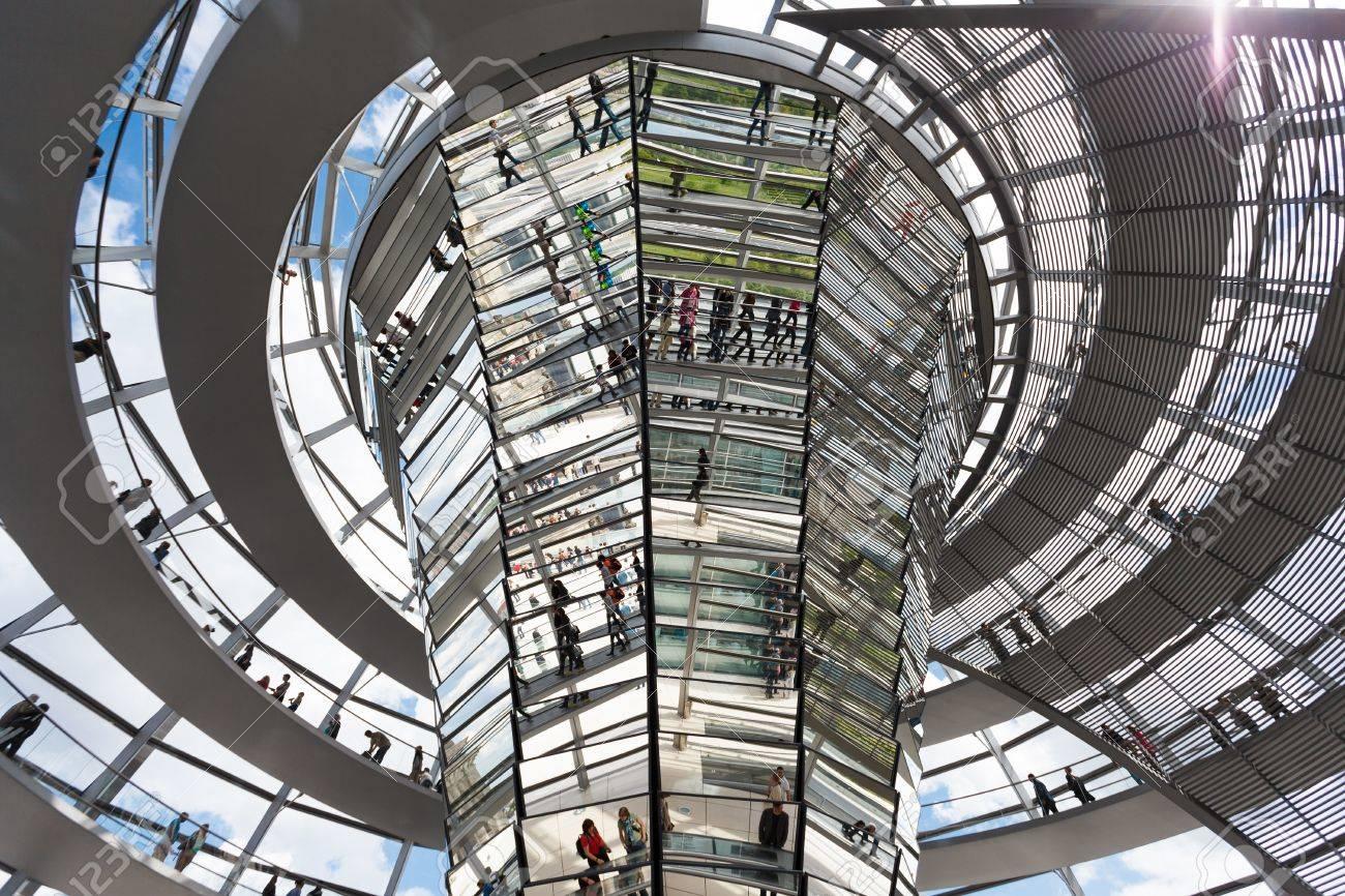 Reichstagskuppel Berlin Moderne Architektur Des Regierungsgebaude