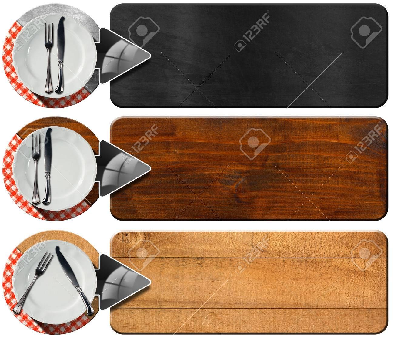 Sammlung Von Drei Banner Küche Mit Weißen Leeren Teller, Silberbesteck, Rot  Und Weiß Karierten
