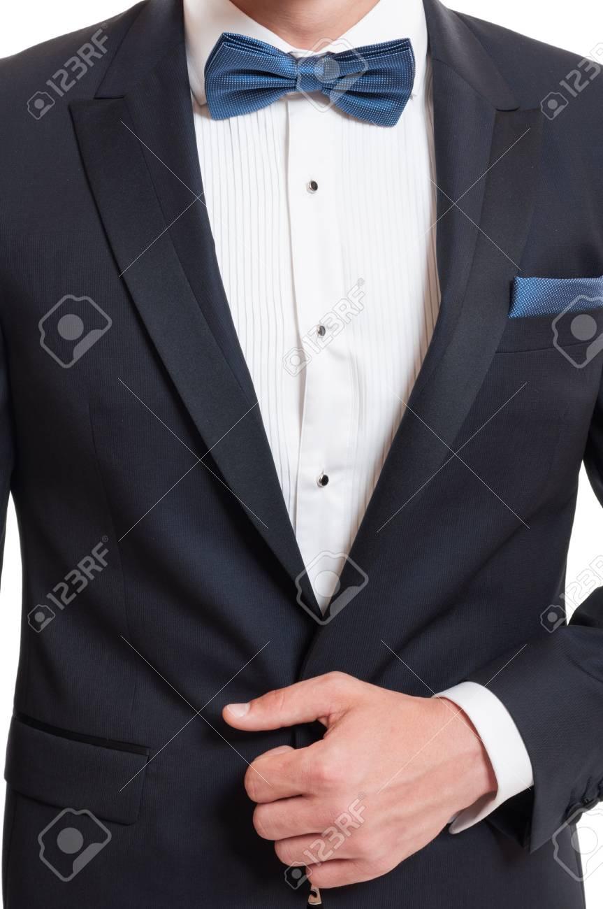 venta minorista completo en especificaciones diseño encantador Concepto elegante usando traje, pajarita azul y pañuelo de bolsillo