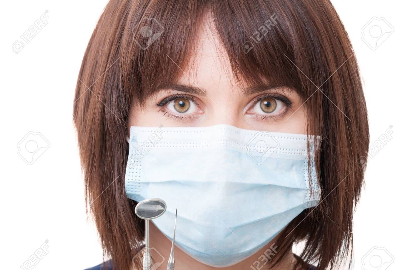 surgical mask lady