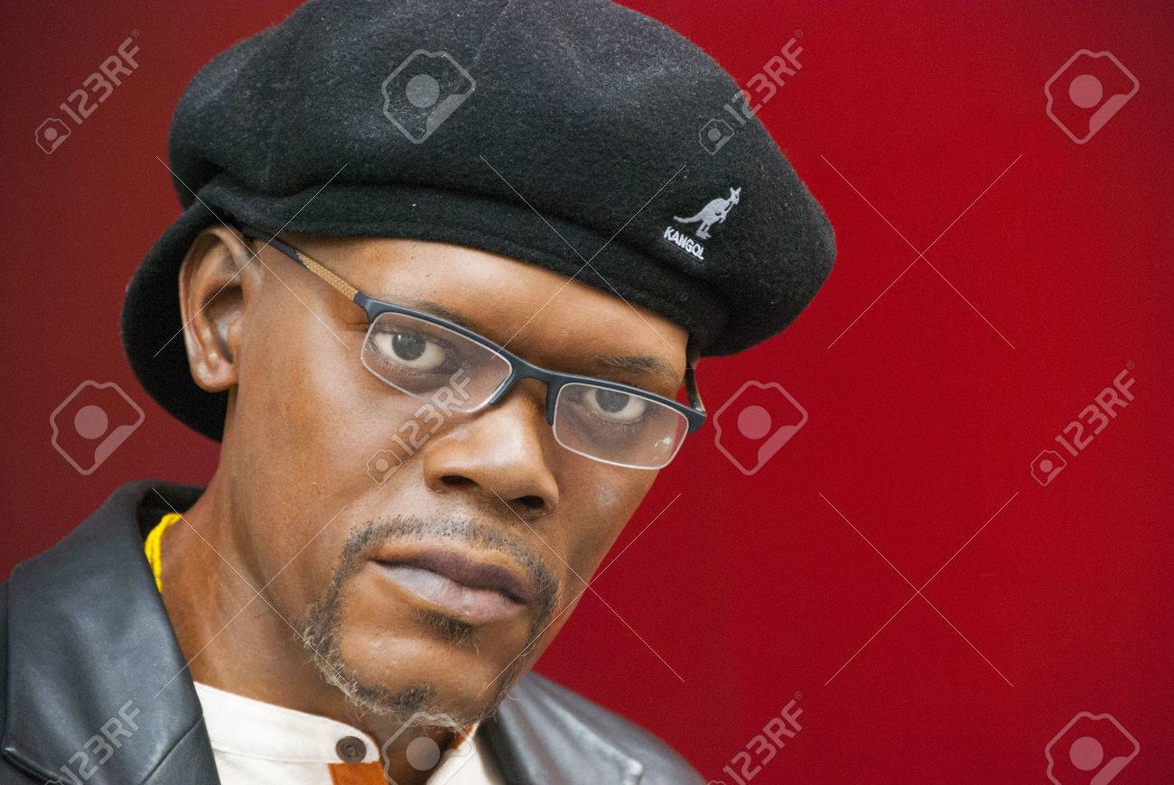 Samuel L Jackson wax figure outside of Madame Tussauds New York Stock Photo  - 22434615 584c4493ebe
