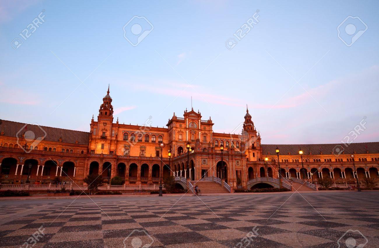 beautiful Plaza Espana at sunset in Sevilla, Spain Stock Photo - 15927649