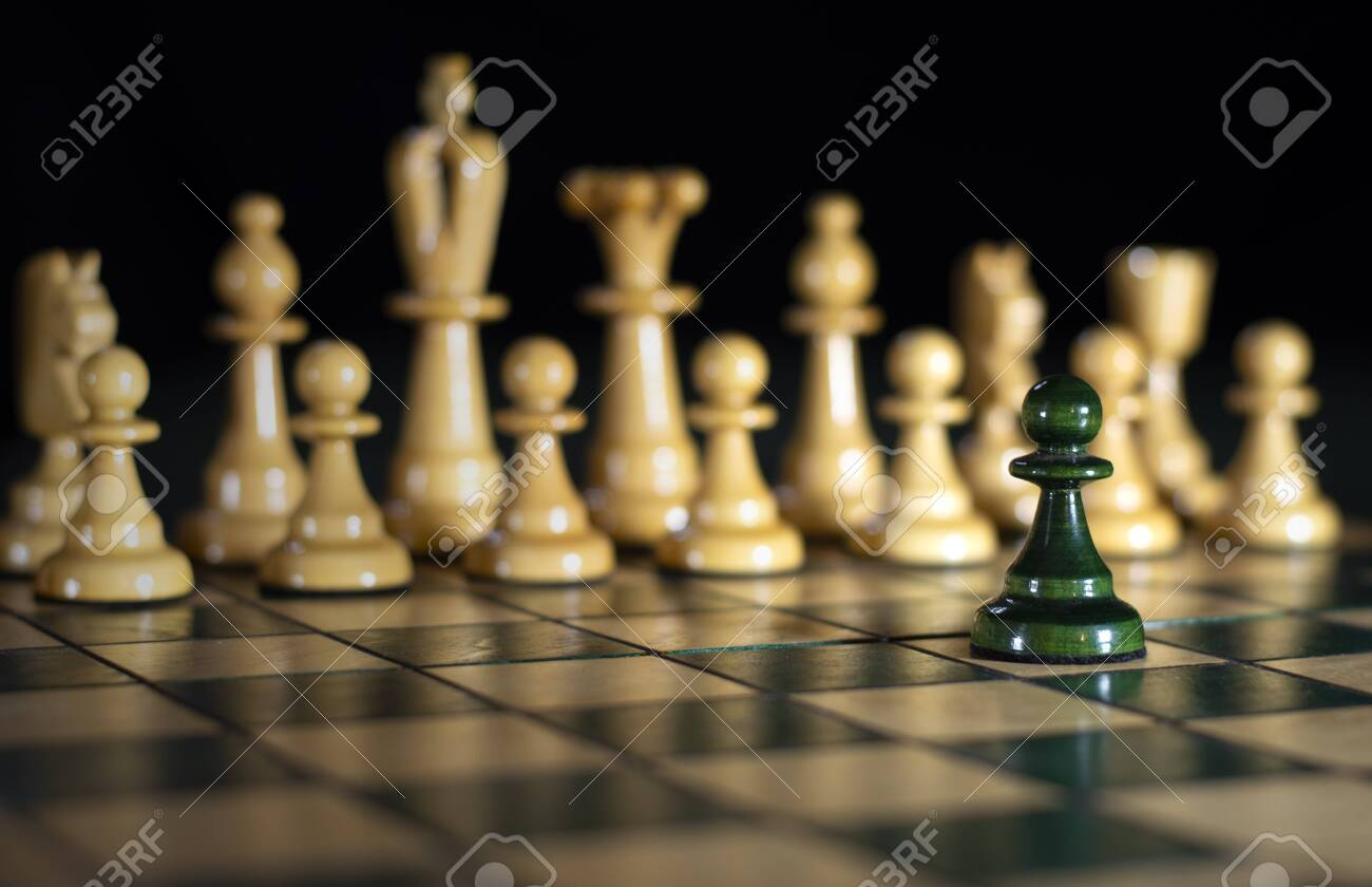 Chess: one against all, attack on power (out of focus) - 131653167