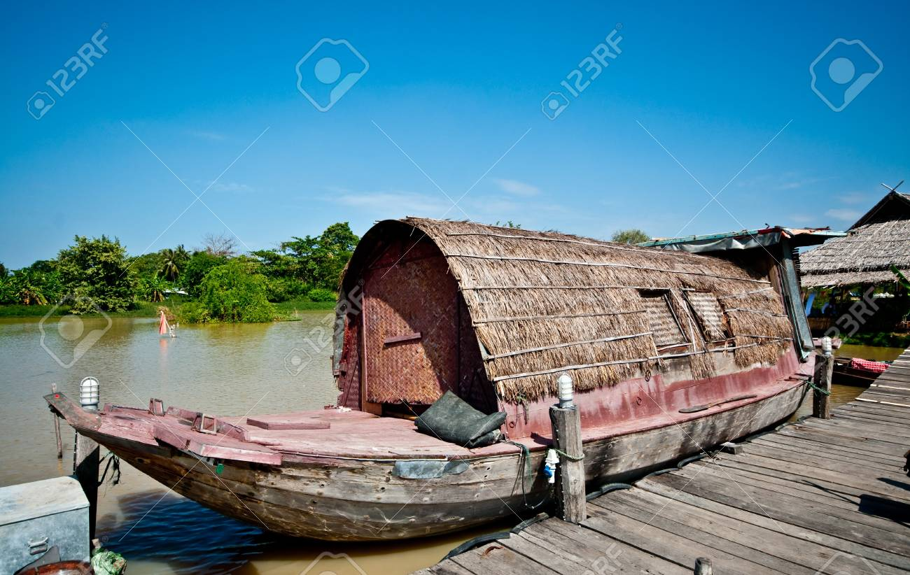 The Vintage boat in thailand Stock Photo - 8967627