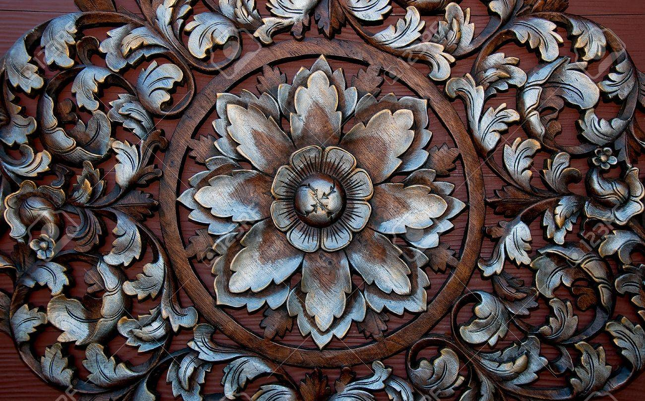 The Old carving wood ornament of flower pattern thai style Stock Photo - 13149131