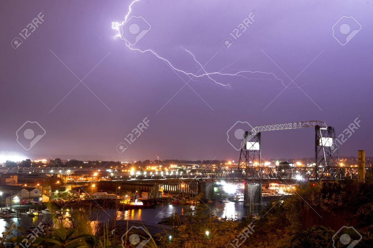 Spectacular storm shows it Stock Photo - 22024176