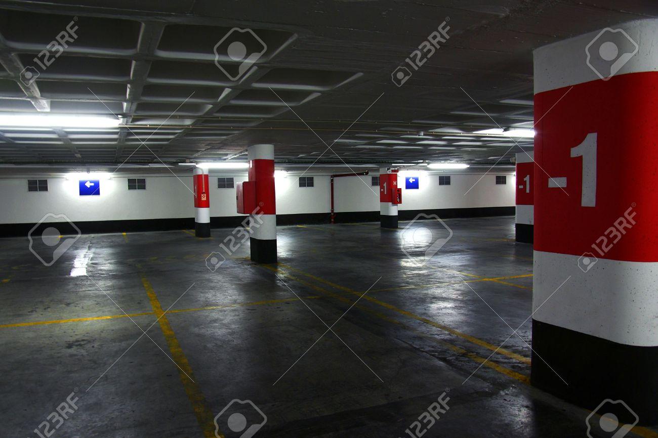 Empty underground parking lot with big concrete columns Stock Photo - 5377709