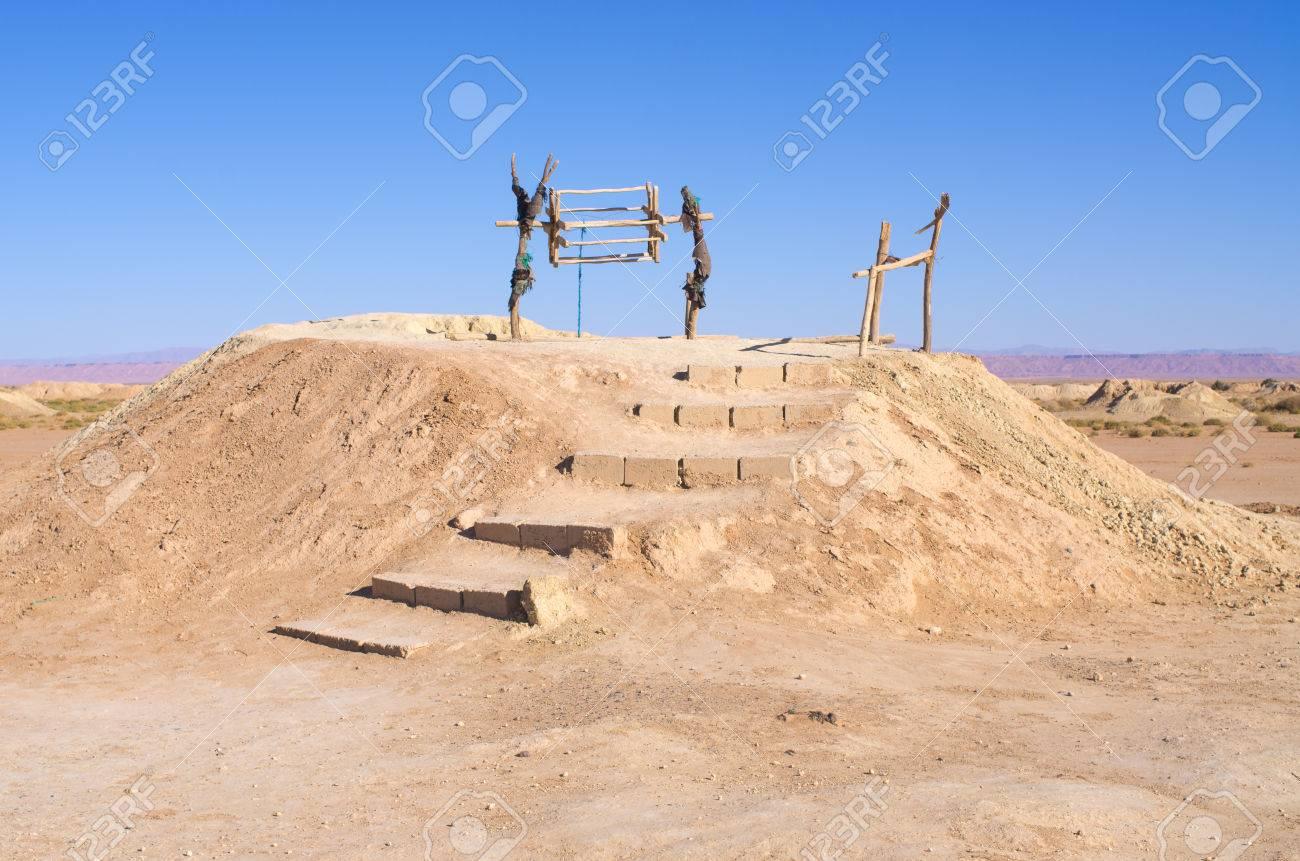 モロッコで歴史的なカナート (水...