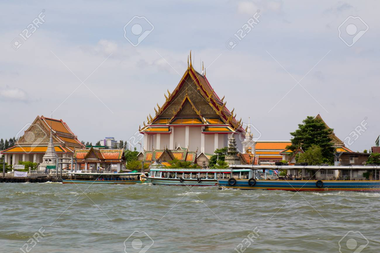 foto of a tour on the river chao phraya in bangkok Stock Photo - 13593273