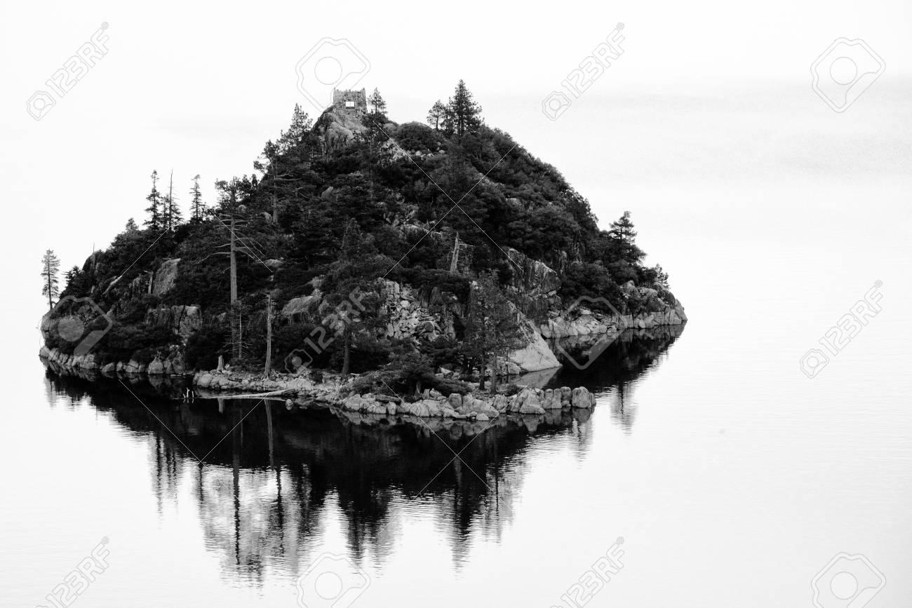 Island in a lake, Lake Tahoe, Sierra Nevada, California, USA Stock Photo - 22229020