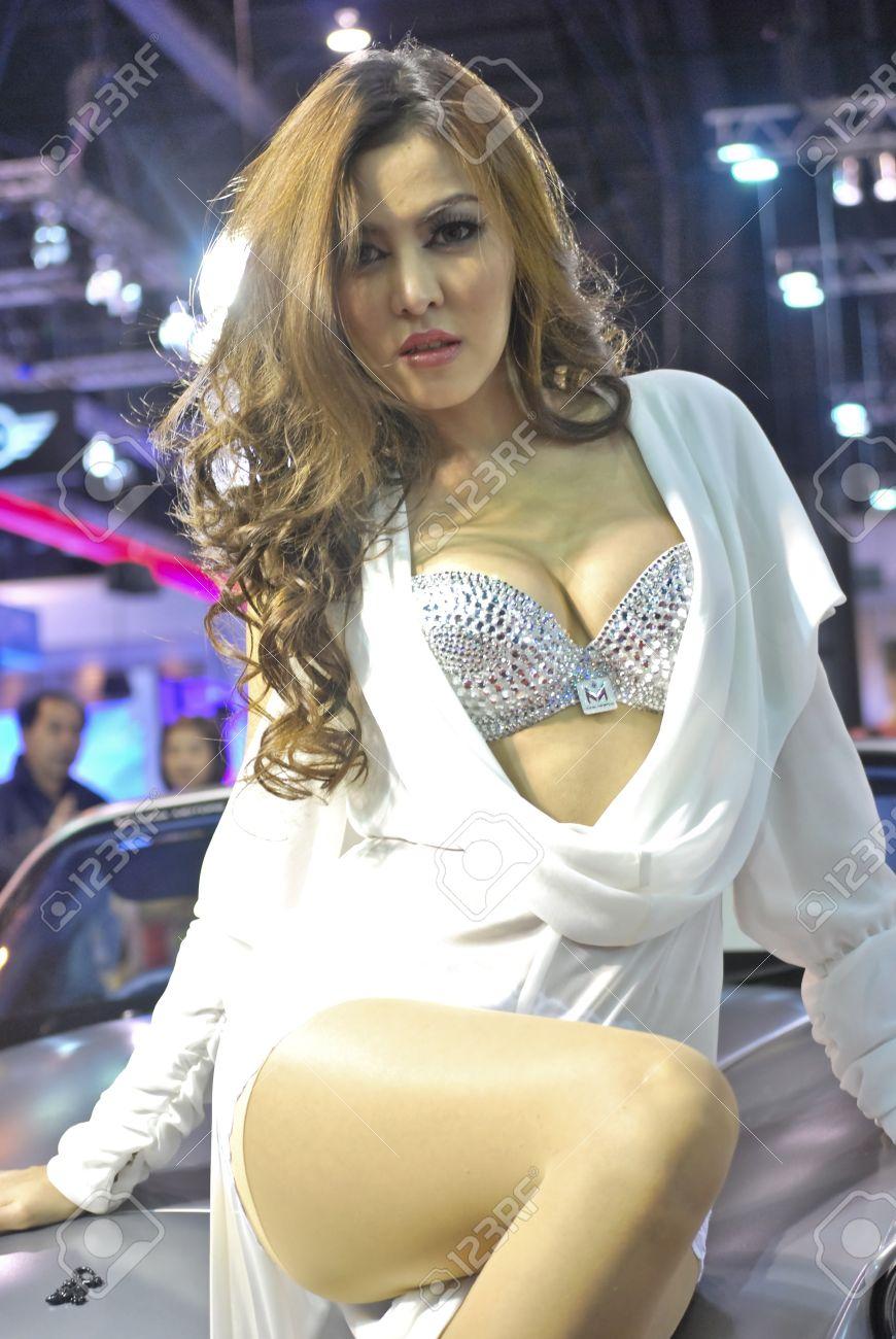 Bangkok model Nude Photos 49