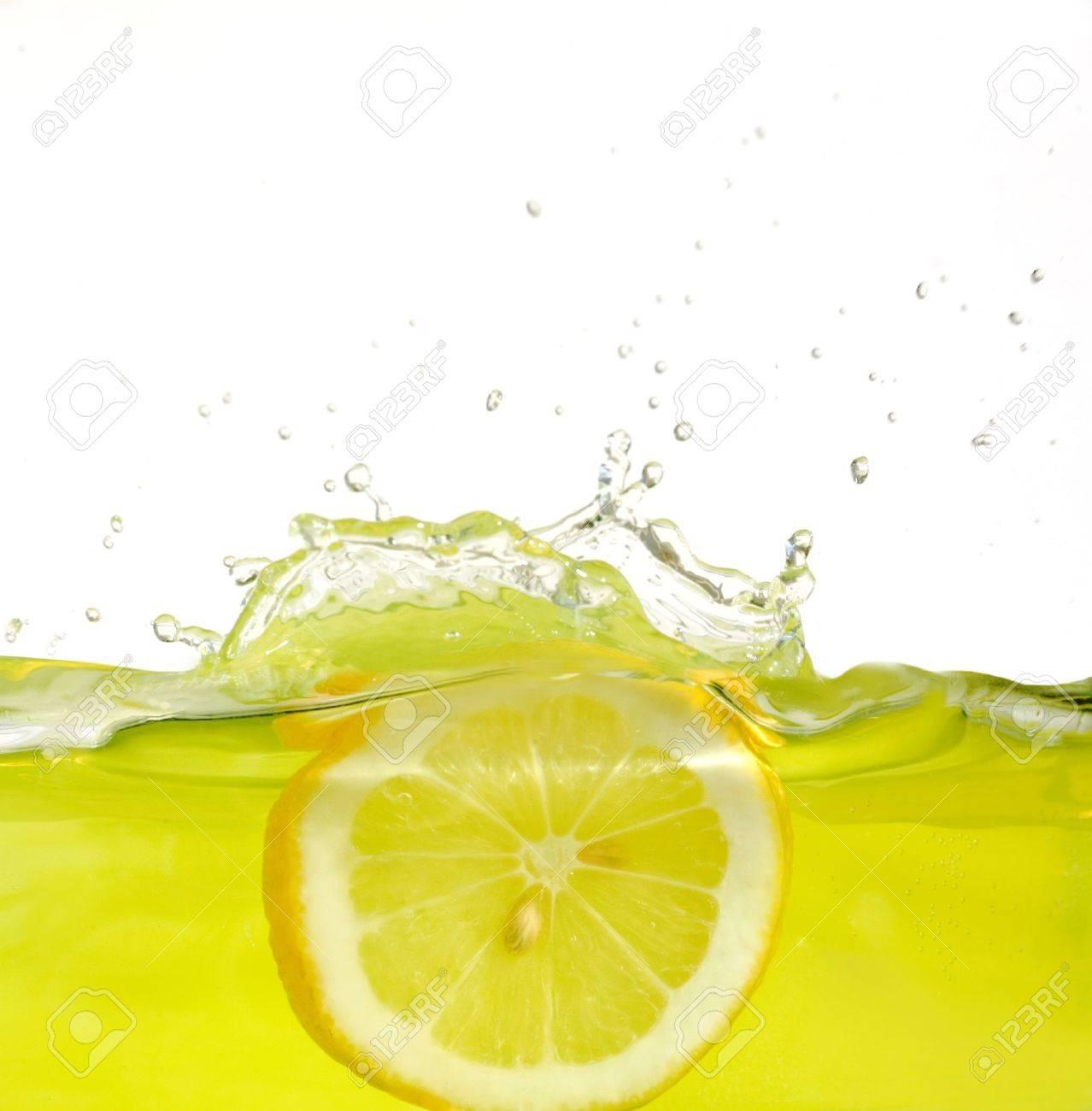 Green Lemon Water Splash Hd Wallpaper