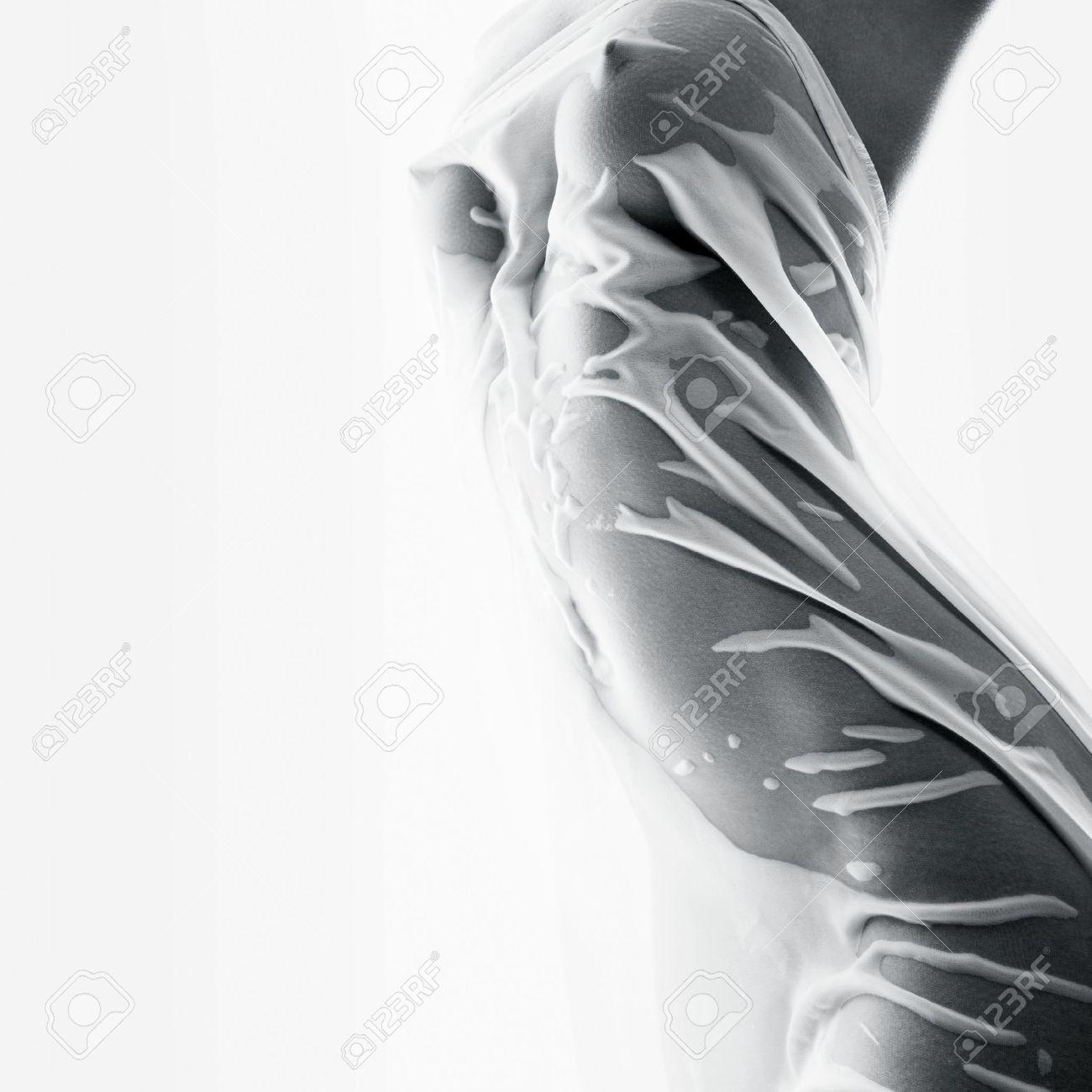 De Hermosa ApretadoEl Mojado La Papel Un Pañuelo Mujer Concepto Cuerpo Belleza En TFJKcl1