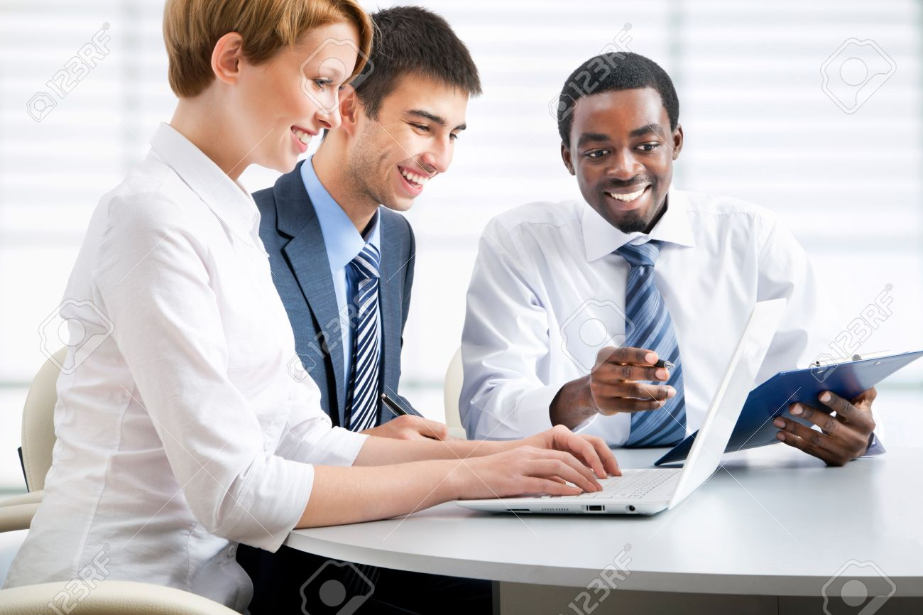 Business group meeting portrait - Business people working together. A diverse work group. Stock Photo - 19385529