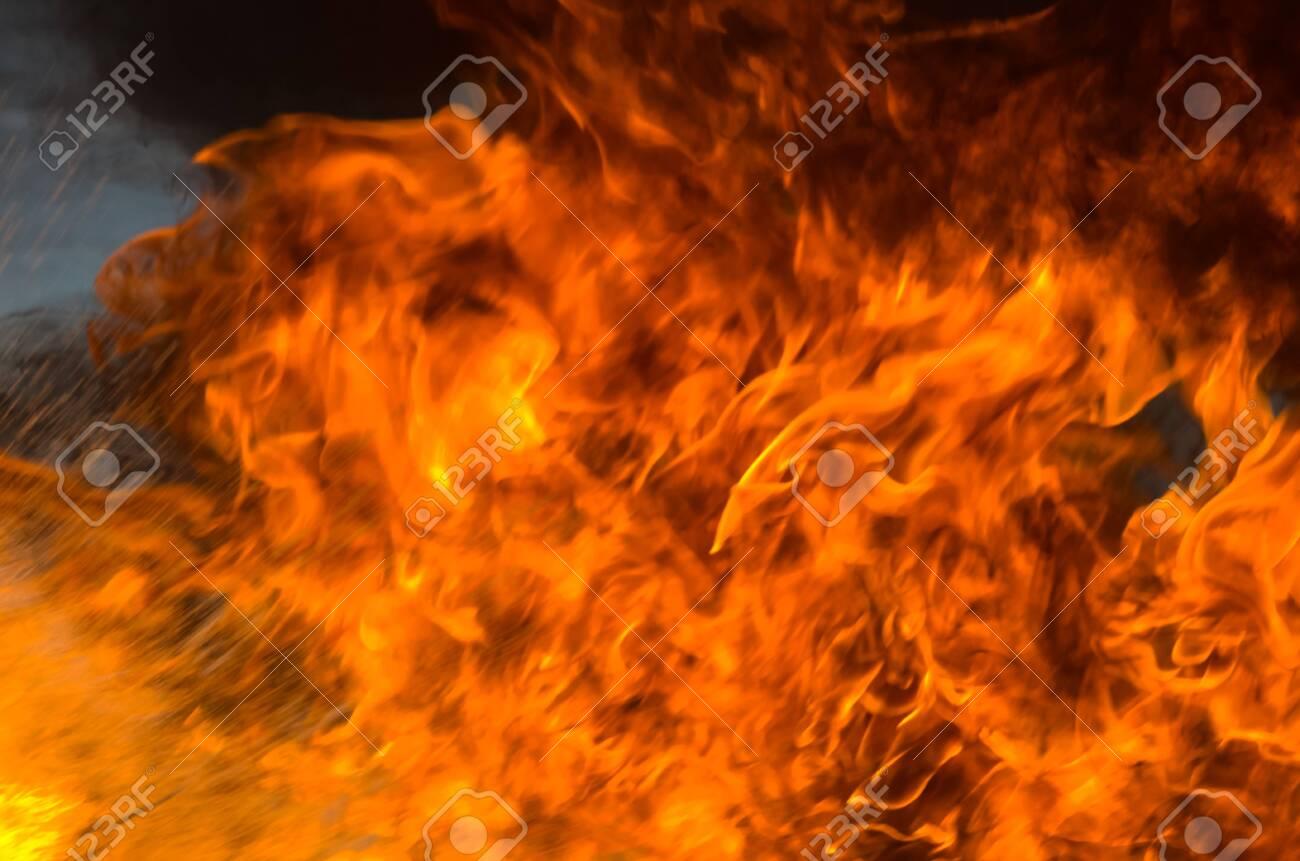 A big flame,fire plan rehearsal - 127894002