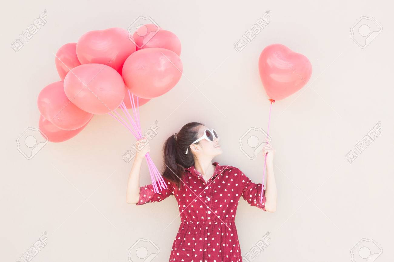 Girl With Colorful Heart Balloons Series ,For Lifestyle ,Celebrate,Fashion Vintage,Valentines Day Concept - 29126920