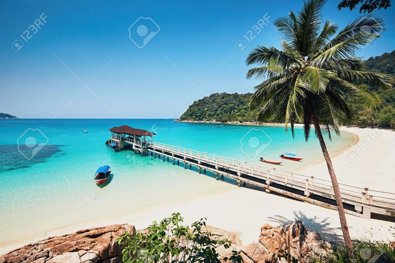 Sunny day on the idyllic beach. Perhentian Islands in Malaysia. - 75865441