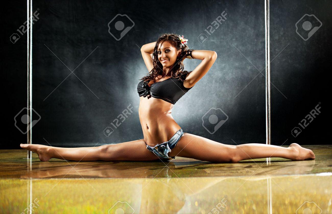 Тёлки на танцах, Порно танцы видео HD бесплатно гиг порно 26 фотография