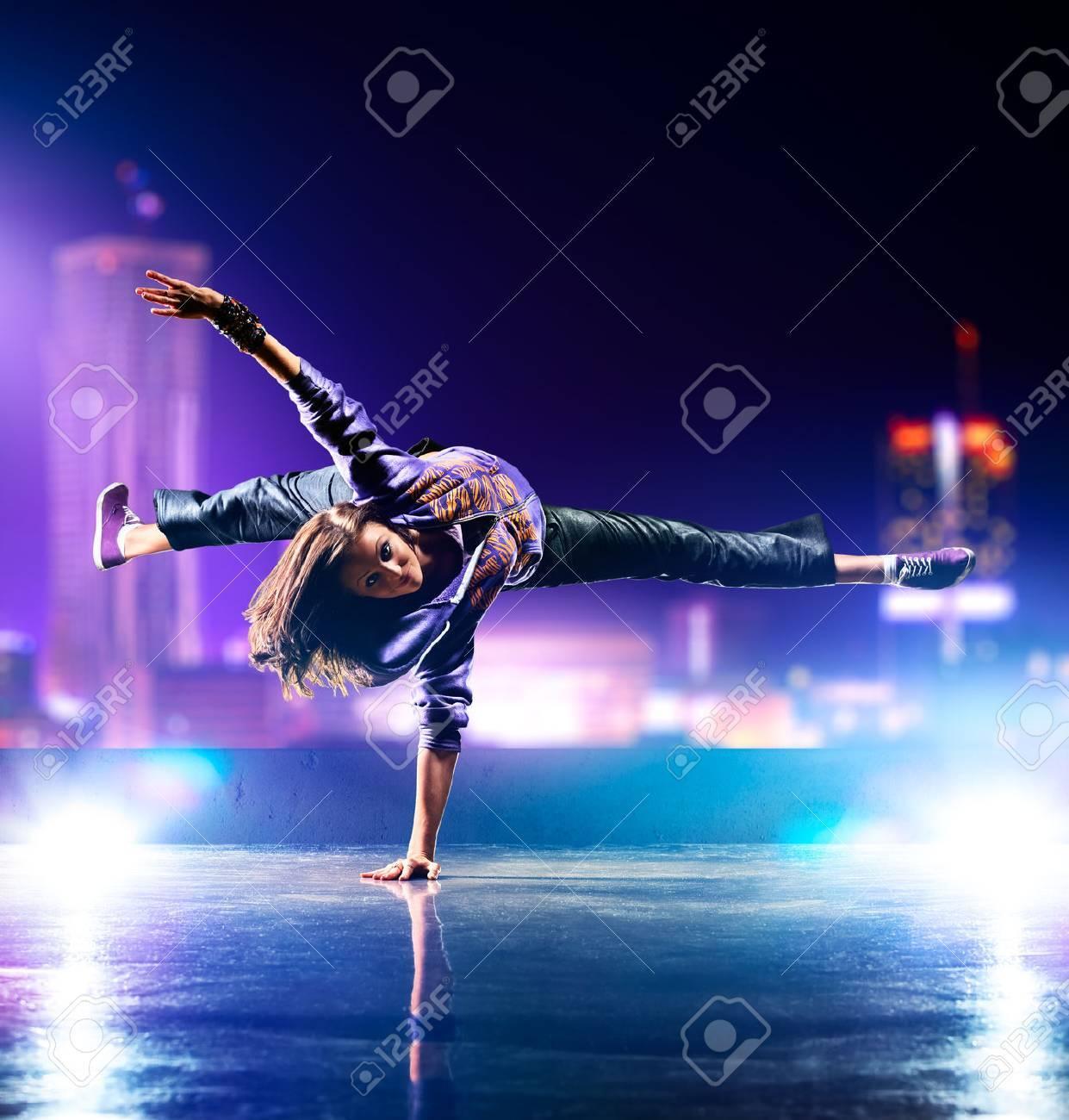 Young woman dancing - 25832761