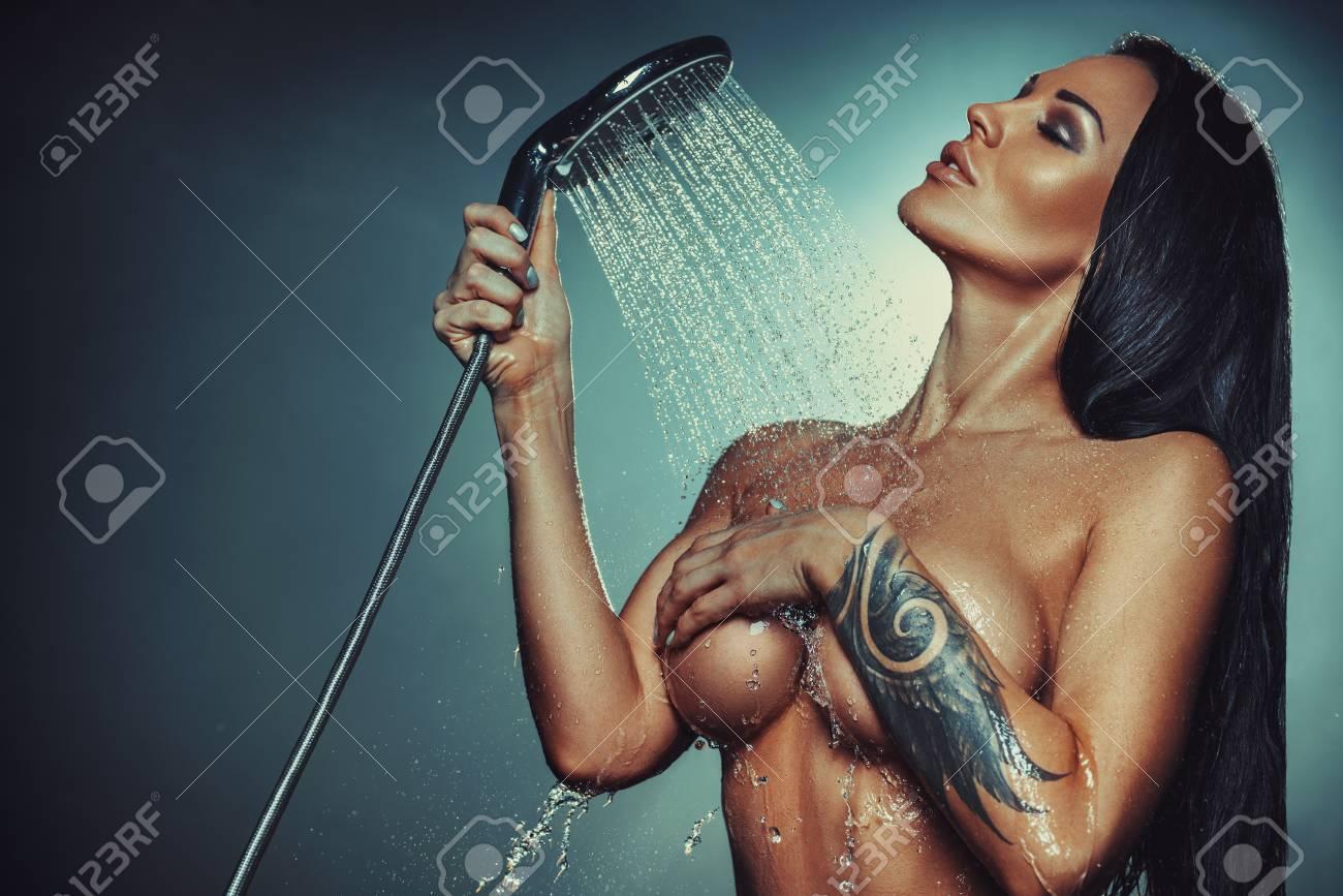 Julie night sexy nude brunette in shower giril sex xxx