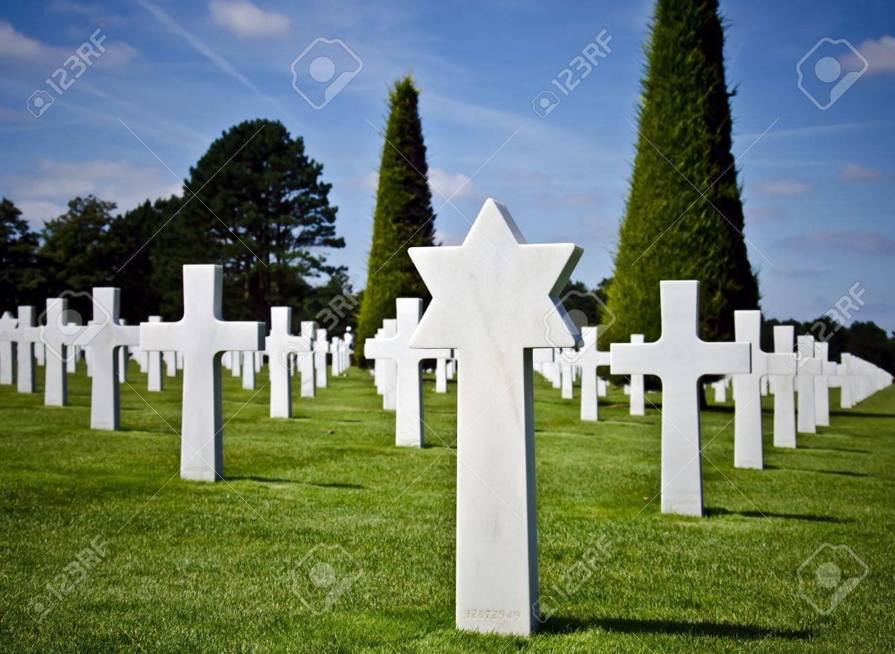 American military cemetery (World War II memorial) in Colleville, France Stock Photo - 11078215