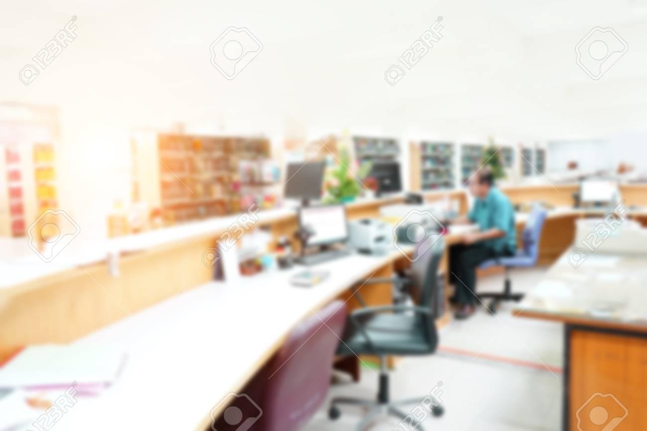 Zusammenfassung Unscharfer Hintergrund Mit Vielen Bücherregalen In