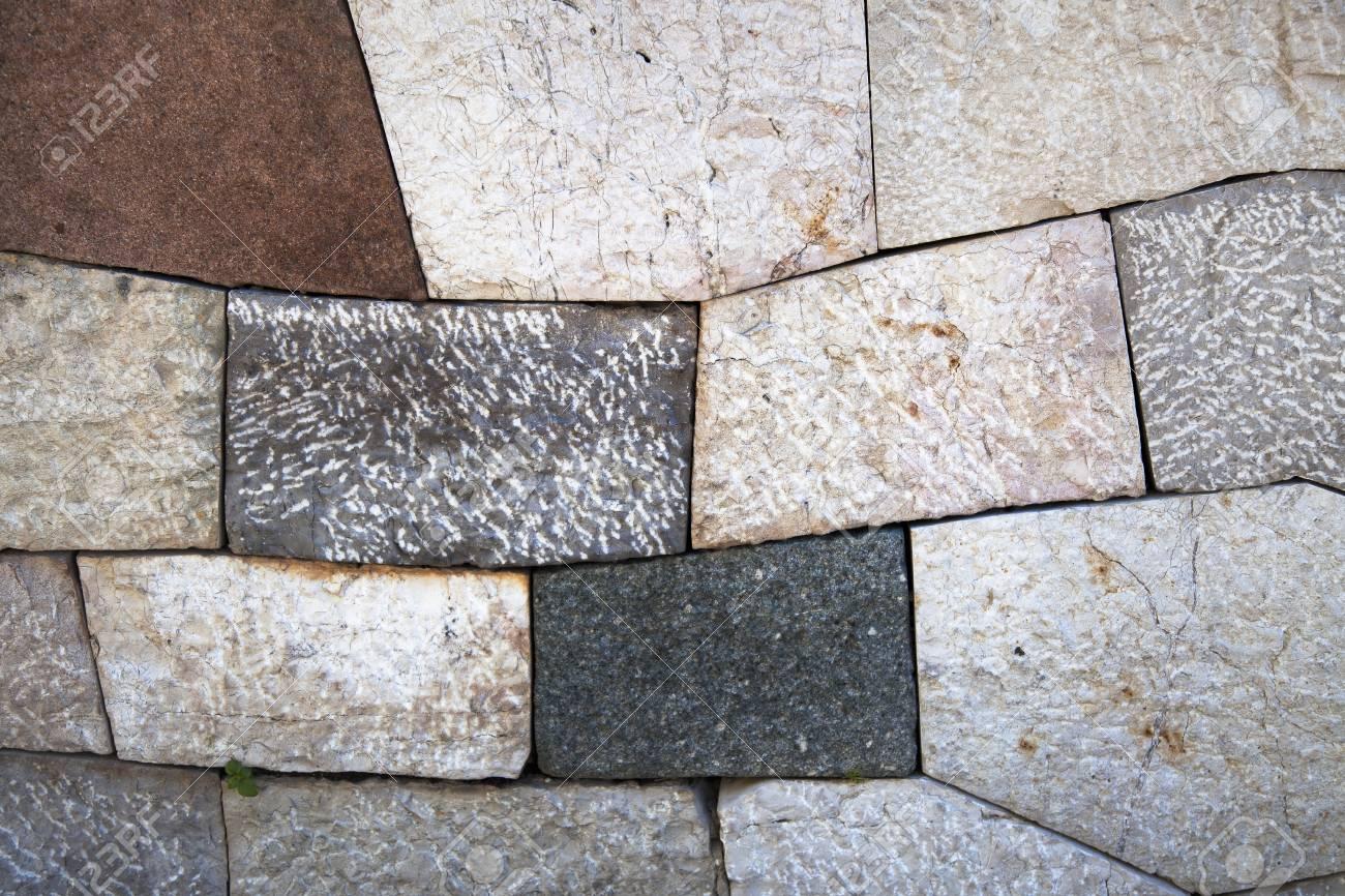 Einfach Steinwand Farbe ~ Steinwand mit add förmigen blöcken und verschiedenen farben und